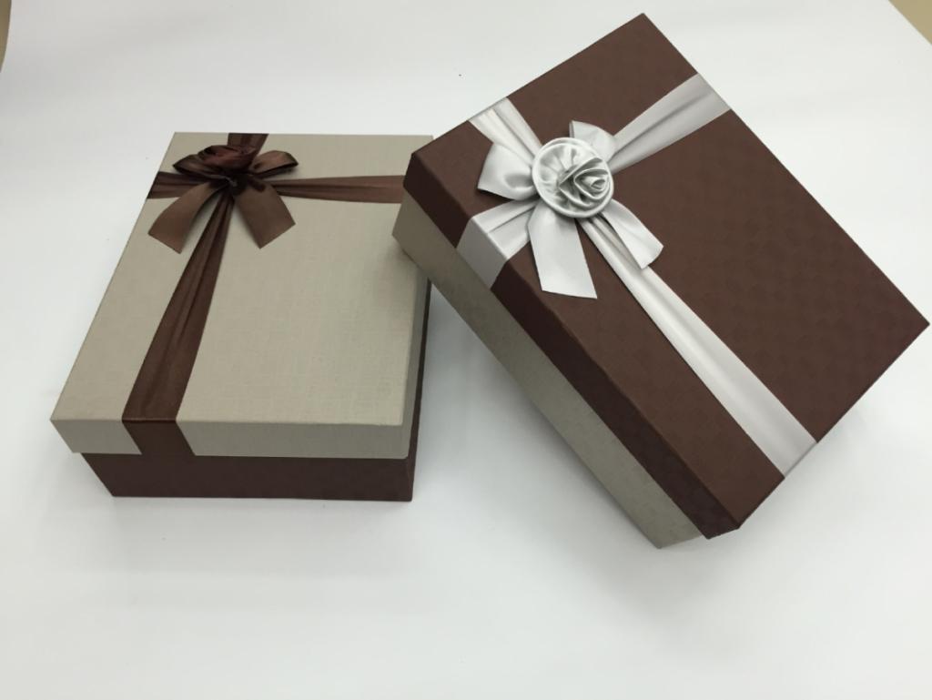 in hộp quà bằng giấy cứng đà nẵng